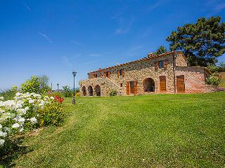 5 bedroom Villa in Cortona, Italy : ref 2215435