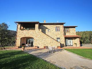 6 bedroom Villa in Castiglion Fiorentino, Cortona, Italy : ref 2215363