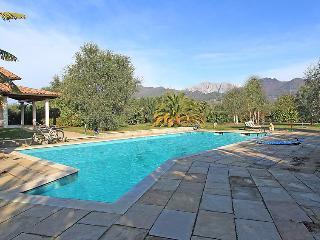 6 bedroom Villa in Forte dei Marmi, Versilia, Italy : ref 2216410