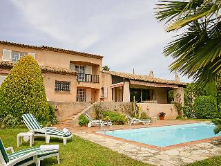 4 bedroom Villa in Saint-Raphaël, Provence-Alpes-Côte d'Azur, France : ref 50597