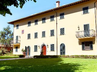 6 bedroom Villa in Fucecchio, Florence Countryside, Italy : ref 2216850, Galleno