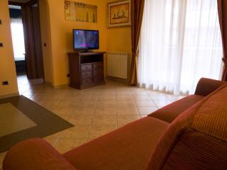 elegante appartamento arredato, Pomezia