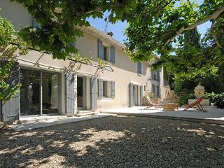 Villa in L'Isle Sur La Sorgue, Provence, France, Velleron