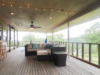 Perfectly secluded dog-friendly home with majestic covered deck!