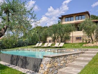 6 bedroom Villa in Poggibonsi, Chianti, Tuscany, Italy : ref 2230401