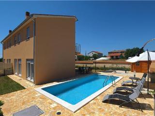 6 bedroom Villa in Liznjan, Istria, Croatia : ref 2234614