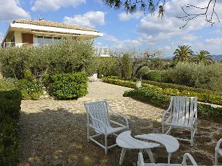 4 bedroom Villa in La Ciotat, Cote d Azur, France : ref 2235096