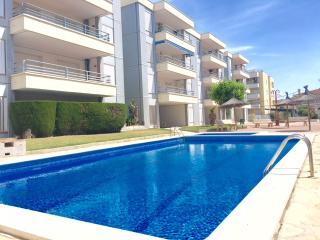 Apartamento con piscina a 3 minutos de la playa, Cunit
