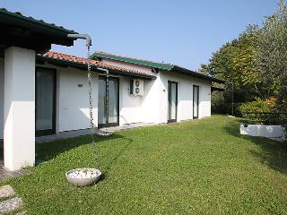6 bedroom Villa in San Felice del Benaco, Lombardy, Italy : ref 5082432