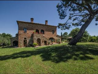 6 bedroom Villa in Torrita di Siena, Toscana, Italy : ref 2244541