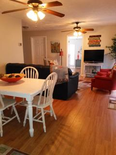 Dining area adjacent to Main Living area