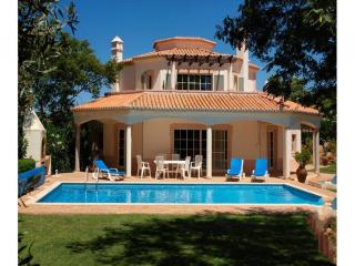 4 bedroom Villa in Carvoeiro, Algarve, Portugal : ref 2249208