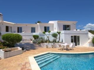 5 bedroom Villa in Praia da Luz, Algarve, Portugal : ref 2249235