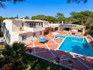 5 bedroom Villa in Quinta do Lago, Algarve, Portugal : ref 2249253