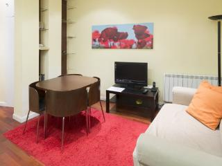 Infantas III  apartment in Malasana {#has_luxurio…