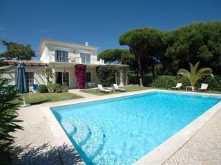 3 bedroom Villa in Quinta do Lago, Algarve, Portugal : ref 2249256