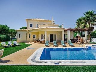 4 bedroom Villa in Vilamoura, Algarve, Portugal : ref 2249281