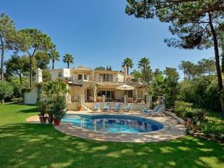 5 bedroom Villa in Quinta Do Lago, Algarve, Portugal : ref 2252130
