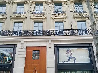 1 bedroom Apartment in Paris/8, Ile-de-France, France : ref 2253182