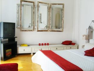 Artistic Private Room in Penthouse - Glyfada
