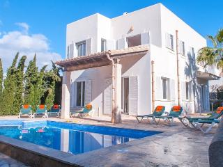 Villa in Cala D Or Centre, Cala D Or, Mallorca, Cala d'Or