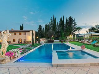 Villa in San Gimignano, Tuscany, Italy, Le Piazze