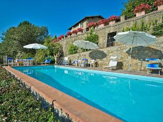6 bedroom Apartment in Lucca, Tuscany, Italy : ref 2265915