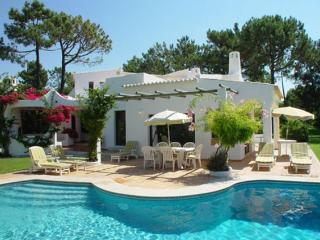 3 bedroom Villa in Quinta Do Lago, Algarve, Portugal : ref 2265924