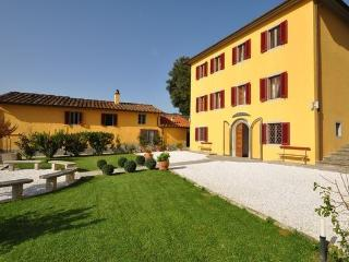 5 bedroom Villa in Massa E Cozzile, Tuscany, Italy : ref 2266015