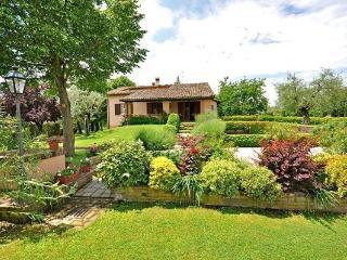 4 bedroom Villa in Monte San Savino, Tuscany, Italy : ref 5476901