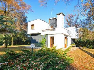 4 bedroom Villa in Forte Dei Marmi, Tuscany, Italy : ref 2266171