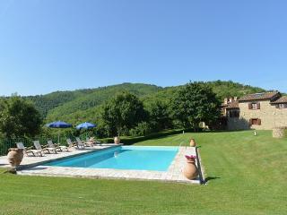 4 bedroom Villa in Monterchi, Tuscany, Italy : ref 2266265
