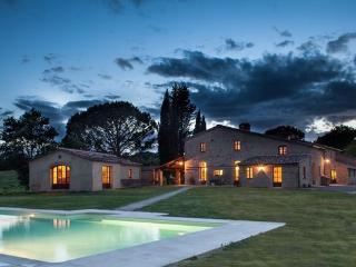 9 bedroom Villa in Buonconvento, Tuscany, Italy : ref 2266275