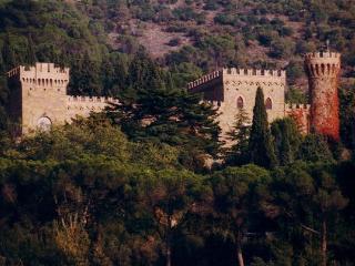 7 bedroom Villa in Passignano Sul Trasimeno, Umbria, Italy : ref 2266306