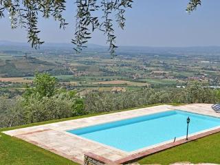 4 bedroom Villa in Santa Lucia, Tuscany, Italy : ref 5477246