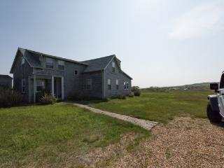 Farmhouse meets Beach House, Aquinnah