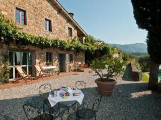 4 bedroom Villa in Lucca, Tuscany, Italy : ref 5477309