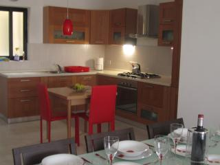 Bugibba New Bright Spacious Apartment