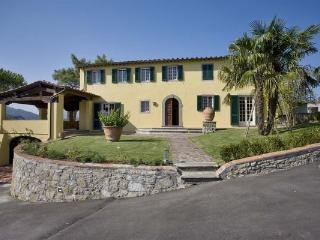 6 bedroom Villa in Lucca, Tuscany, Italy : ref 5476905