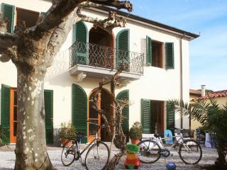 Villa in Forte Dei Marmi, Tuscany, Italy