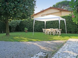 3 bedroom Villa in Forte dei Marmi, Tuscany, Italy : ref 5477710