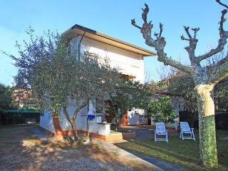 Villa in Forte Dei Marmi, Tuscany, Italy, Forte dei Marmi
