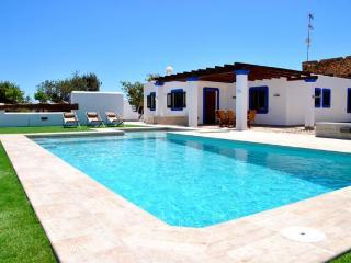 3 bedroom Villa in Santa Eulalia Del Río, Sant Carles De Peralta, Ibiza : ref