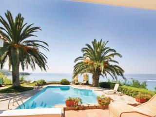 3 bedroom Villa in Parghelia, Calabria, Italy : ref 2280164