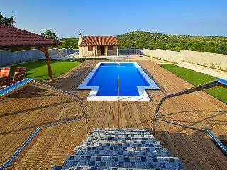 5 bedroom Villa in Vodice, Central Dalmatia, Croatia : ref 2283272