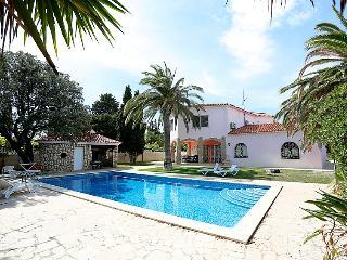 4 bedroom Villa in Miami Platja, Costa Daurada, Spain : ref 2285040