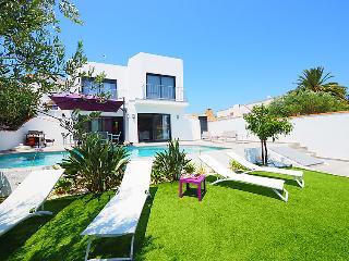 4 bedroom Villa in Empuriabrava, Costa Brava, Spain : ref 2285137