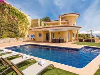 4 bedroom Villa in Calpe, Costa Blanca, Spain : ref 2287065, La Llobella