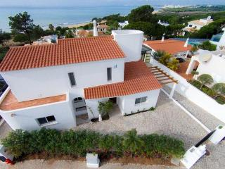 4 bedroom Villa in Vale do Lobo, Algarve, Portugal : ref 2291346