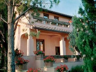 6 bedroom Villa in Grosseto, Maremma, Tuscany, Italy : ref 2294092